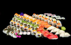 Zabierz wybrankę w Dzień Kobiet do New Kansai Sushi