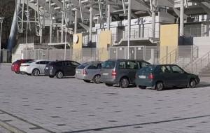 Gdynia: parkowanie przed teatrem i stadionem