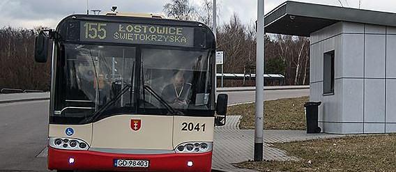 Zwrócił uwagę, by nie pili w autobusie. W odpowiedzi złamali mu nos
