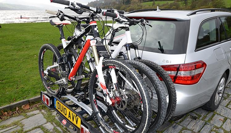 Bagażniki rowerowe na hak a prawo