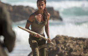 "Lara Croft na dorobku. Recenzja filmu ""Tomb Raider"""