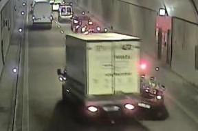 Moment wypadku w tunelu pod Martwą Wisłą