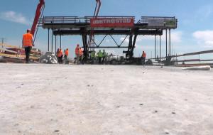Odwiedzamy budowę S7. Gotowa konstrukcja nośna mostu na Wiśle