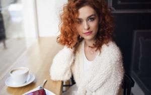 Ma 24 lata i napisała już... 13 powieści