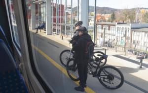 Trudne początki systemu rezerwacji miejsc na rowery w PKM