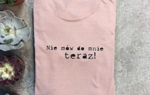 Koszulki z przesłaniem. Kiedy je nosić?