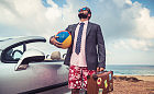 Zwyczaje urlopowe w firmach. Co warto wiedzieć przed wakacjami?