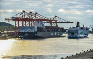 Port Gdynia wchodzi w projekt LNG