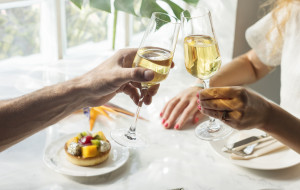 Śniadanie z kieliszkiem szampana w Trójmieście