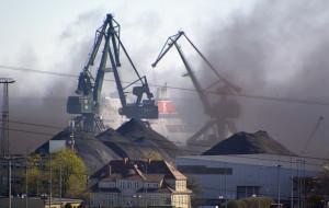 Pył węglowy z portu dokucza mieszkańcom centrum Gdyni