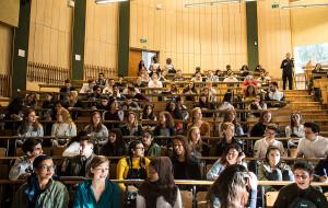 Przyszli studenci stawiają na ekonomię, filologie i kierunki biznesowe