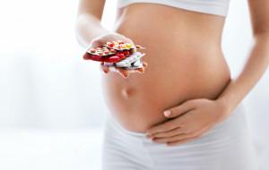 Suplementacja w ciąży: pomaga czy szkodzi?