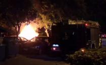 W nocy spłonęły trzy auta i łóżko