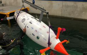 Studenci PG zbudowali, a następnie ścigali się łodzią podwodną