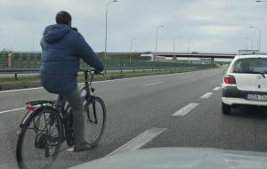 Jechał rowerem po obwodnicy