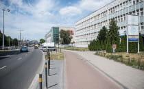 Znika biurowiec obok Galerii Bałtyckiej