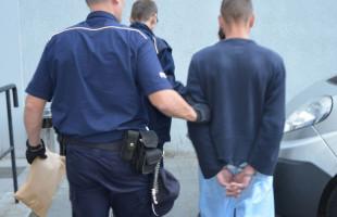 Zaatakował dwie kobiety. Trafił do aresztu