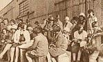 Parowozy w stoczni, emigranci w Gdyni