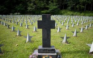 Sprawcy dewastacji cmentarza w rękach policji