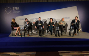 EFNI: USA-Chiny. Komu zależy na wojnie handlowej?