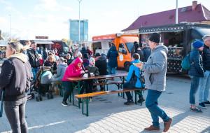 Food trucki zaparkowały przy Galerii Metropolia