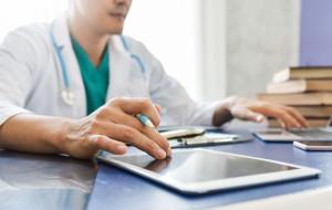 Asystent medyczny pomoże w wystawianiu zwolnień