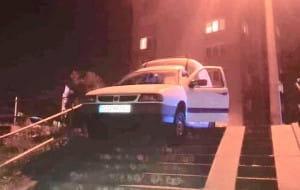 Pijany kierowca omal nie rozjechał rodziny na schodach