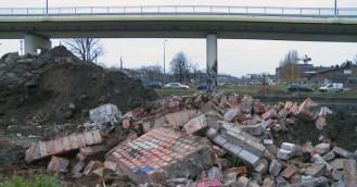 Zburzono fragment muru dawnej Stoczni Gdańskiej