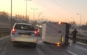 Trudny pierwszy zimowy poranek na drogach w Trójmieście