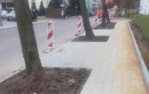 Mniej miejsc parkingowych po remoncie chodnika