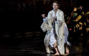 """Natasza Urbańska jako Pola Negri w technice 3D. O """"Policie"""" w Muzycznym"""