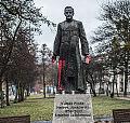 Adamowicz: Pomnik ks. Jankowskiego zostanie przeniesiony