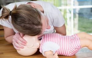 Nauczą pierwszej pomocy w zamian za prezenty dla dzieci