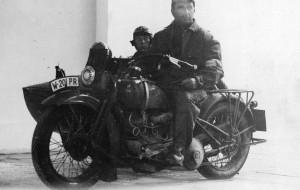 Płonącym motocyklem w Nowy Rok