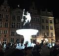 Tysiące uczestników wieczornego wiecu na Długim Targu w Gdańsku