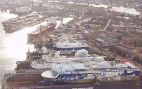Osiem promów w dokach Remontowej