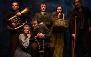 """Nieszczęsny Remus w nieznośnej bajce. O """"Przygodach Remusa"""" Teatru Miejskiego"""