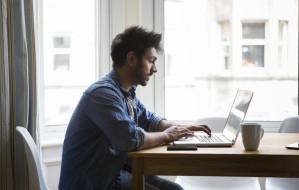 Urlop szkoleniowy a finansowanie studiów przez pracodawcę
