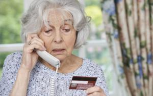 Chciała pomóc wnuczce, straciła oszczędności