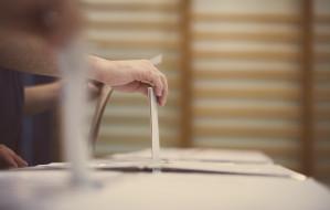 Czy wprowadzić wymóg zamieszkania dla kandydata na prezydenta miasta?