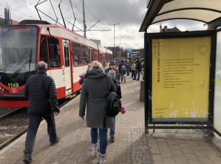 Plakaty z poezją na ulicach Gdańska