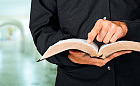 Kapelani i miejsca modlitwy w skarbówkach