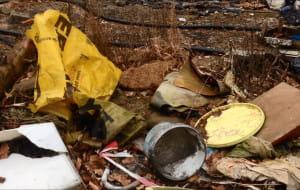 Działka sprzątana, a wciąż nowe śmieci