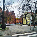 Skwer Gyddanyzc przy kościele św. Brygidy