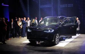 Premiera BMW X7 w studiu filmowym