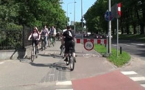 Rowerzyści ignorują zakaz jazdy przy...