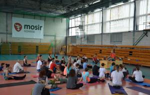 Rusz się! Pokonaj stres przez jogę z Pawłem Gutralem