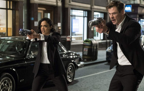 "Na autopilocie donikąd. Recenzja filmu ""Men in Black: International"""