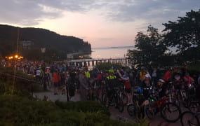 Rowerzyści po raz 13. przejechali nocą przez Gdynię