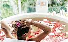 Nietypowe zabiegi na lato: kąpiel z mojito